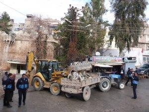 Tarihi Urfa Kapı'nın çevresindeki barakalar yıkılıyor