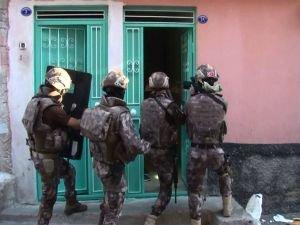 İstanbul'da uyuşturucu operasyonları: 40 gözaltı