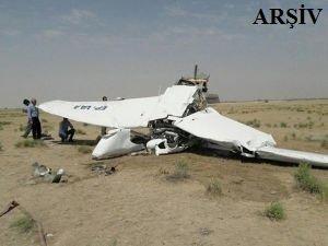 Eğitim uçağı düştü: Ölü ve yaralılar var