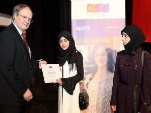 Türkçe öğrenen Suriyeliler için sertifika töreni