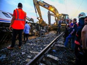 İBB Tekirdağ'daki tren kazasına müdahale için seferber oldu