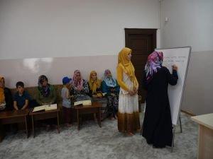 Yaşlı kadınların Kur'an öğrenme azmi