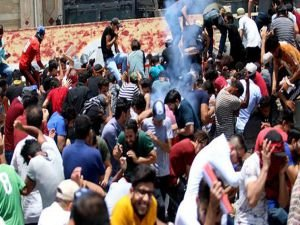 Irak'taki protestolar: 16 ölü 800 yaralı