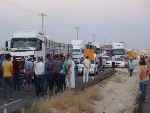 Zincirleme kazada kilometrelerce araç kuyruğu oluştu