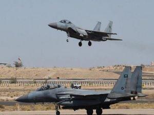 Husiler, Suudi'ye ait hava üssünü vurdu