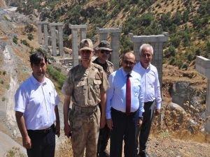 Bitlis-Diyarbakır Karayolunda viyadük inşaatı devam ediyor