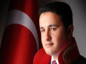 Türkiye'nin en genç başsavcısı oldu
