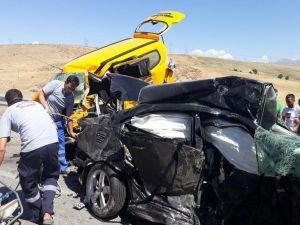 Elazığ'da feci kaza: 3 ölü