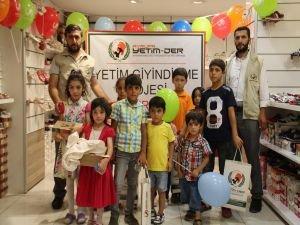Avrupa Yetim-Der Van'da ihtiyaç sahibi çocukları giydirdi