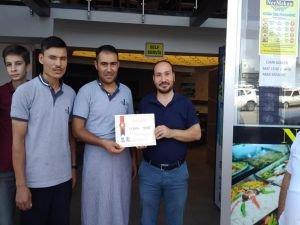 AGD'den cuma saati dükkânlarını kapalı tutan esnafa tebrik