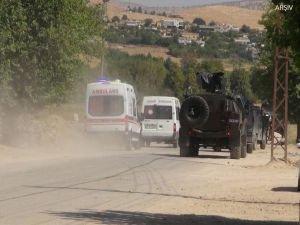 Askeri aracın geçişi sırasında patlama: 4 yaralı