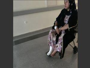Çalışma nedeniyle kazılan çukura düşen kadın ayağını kırdı