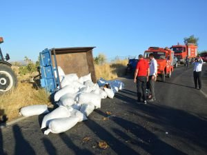 Siirt'te traktör devrildi: 5 yaralı