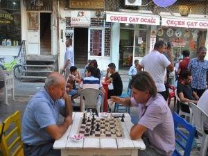 Sokak satrancına yoğun ilgi