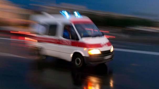 Hasta nakli yapan ambulans kaza geçirdi: 1 ölü, 3 yaralı