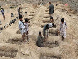 Suudiler Yemen'de sivilleri vurduğunu kabul ediyor