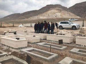 Hasankeyf'te 450 mezar taşındı
