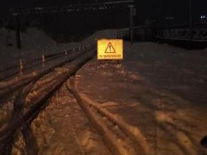 Kar yağışı nedeniyle ulaşımda zorluklar yaşanıyor