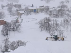 Bingöl ve Elâzığ'da 428 köy yolu ulaşıma kapandı