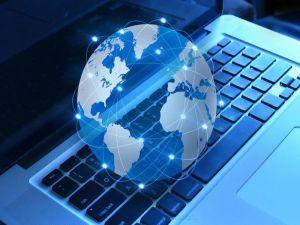 İnternet ve sosyal medya kullanıcılarını bekleyen tehlikeler