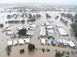 Avustralya'da sel nedeniyle yüzlerce ev sular altında kaldı