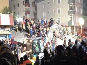 Kartal'da çöken binadan 3 kişinin cesedi çıkarıldı