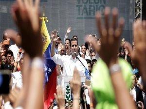 Guaido Venezuela'ya döndü