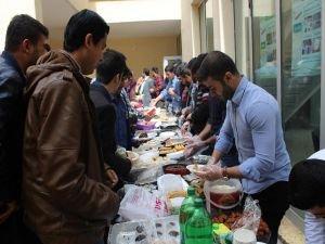 Mardin Artuklu'da öğrenciler yararına kermes