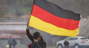 Almanya istihbaratına bilgi veren göçmenlere sığınma hakkı