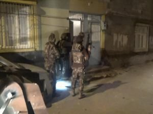 Çocukları dağa götürmek isteyen 8 PKK'lı tutuklandı