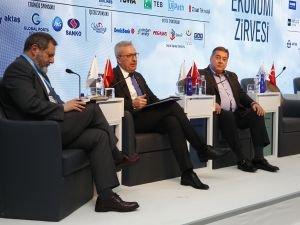 Katma değerli büyümenin anahtarı oturumunda inovasyon ve girişim tartışıldı