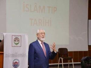 """Ağırakça: """"İslam medeniyetinin önemli alanlarından birisi tıp ilmidir"""""""
