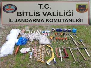 PKK'ya ait sığınak ve patlayıcılar imha edildi