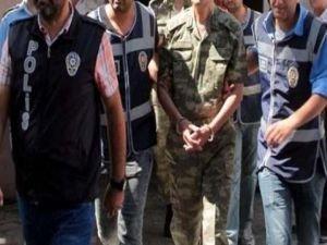 FETÖ'den 82 asker tutuklandı