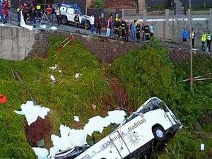 Portekiz'de otobüs devrildi: 29 ölü