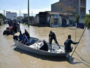 İran'daki sel felaketinde insani dram