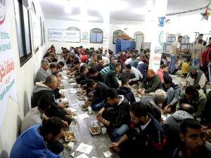 Avrupa Yetim Eli'nden Gazze'de iftar
