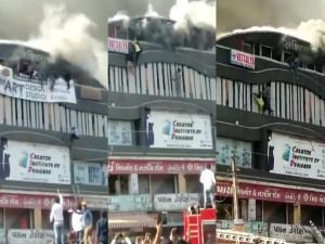 Hindistan'da yangın felaketi: 15 ölü