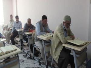 Pir-i fanilerin Kur'an aşkı