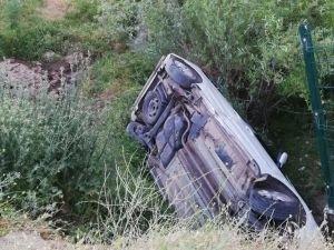 Otomobil şarampole yuvarlandı: Bir yaralı