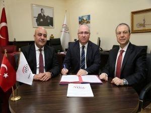 ATO'dan Ankaralı Yatırımcılara 'Sermaye Piyasaları' eğitimi