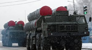 Rusya'dan İran'a ilk S-300 füze savunma sistemi partisi