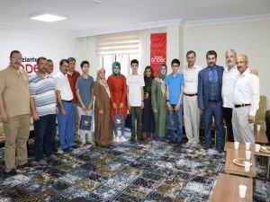 LGS'de başarı elde eden imam hatip öğrencileri ödüllendirildi