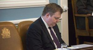 İzlanda Başbakanı bir süreliğine kenara çekildi!