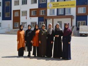 YKS'de başarı gösteren imam hatipler takdir topladı