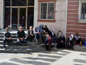 HDP önündeki oturma eylemi 6'ncı gününde