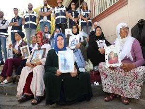 Evlat nöbetini tutan aileyi tehdit eden HDP üyesi tutuklandı