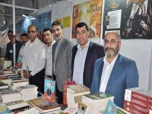 Yazarlar: 'Cehalete savaş açmak okumakla mümkündür'