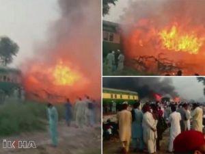 Pakistan'da trende yangın: En az 62 kişi öldü