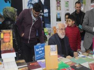 Prof. Dr. Sırma: Gençler İslam'dan bihaber yaşıyor
